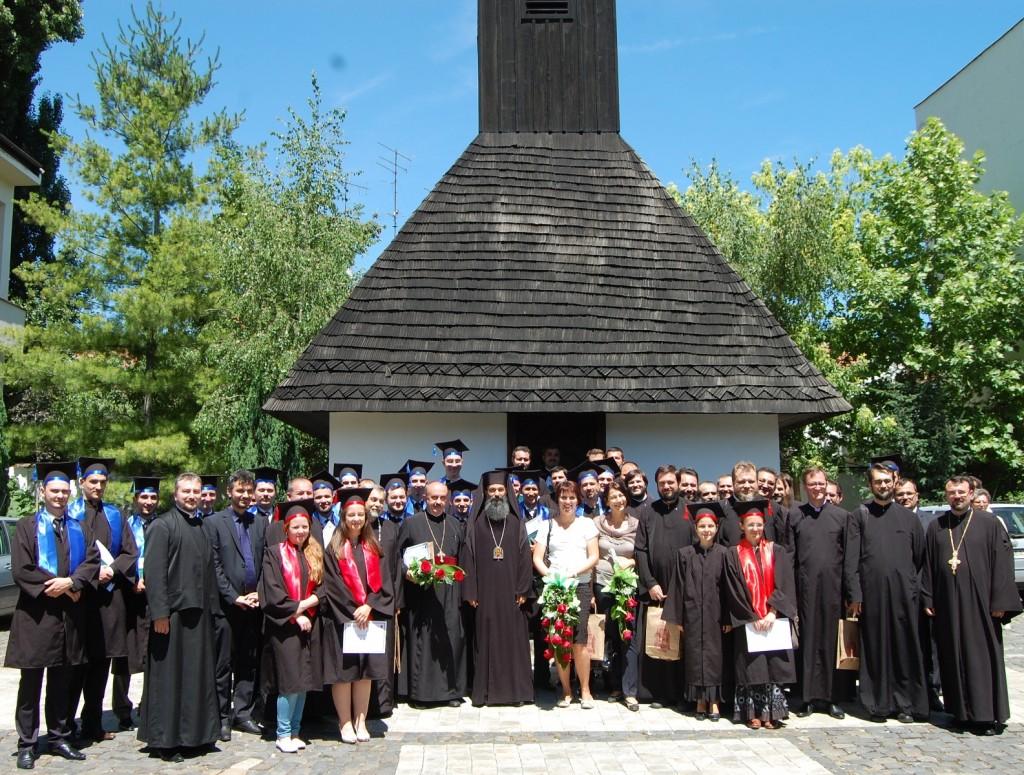 O noua promotie de teologi (1)