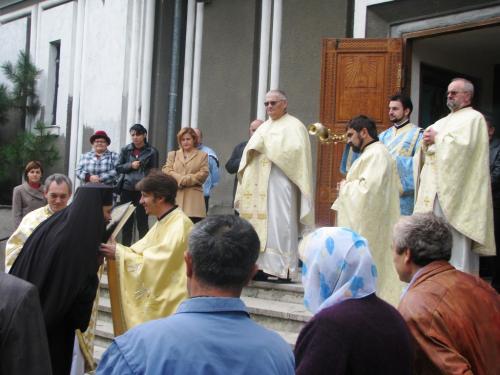 View The Sfânta Liturghie la parohia Mehala Album