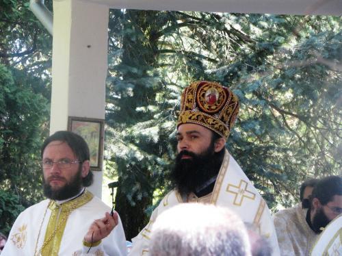 View The Hramul Mănăstirii Săraca 2008 Album