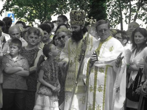 View The Sfintirea icoanelor parohiei Iosefin Album